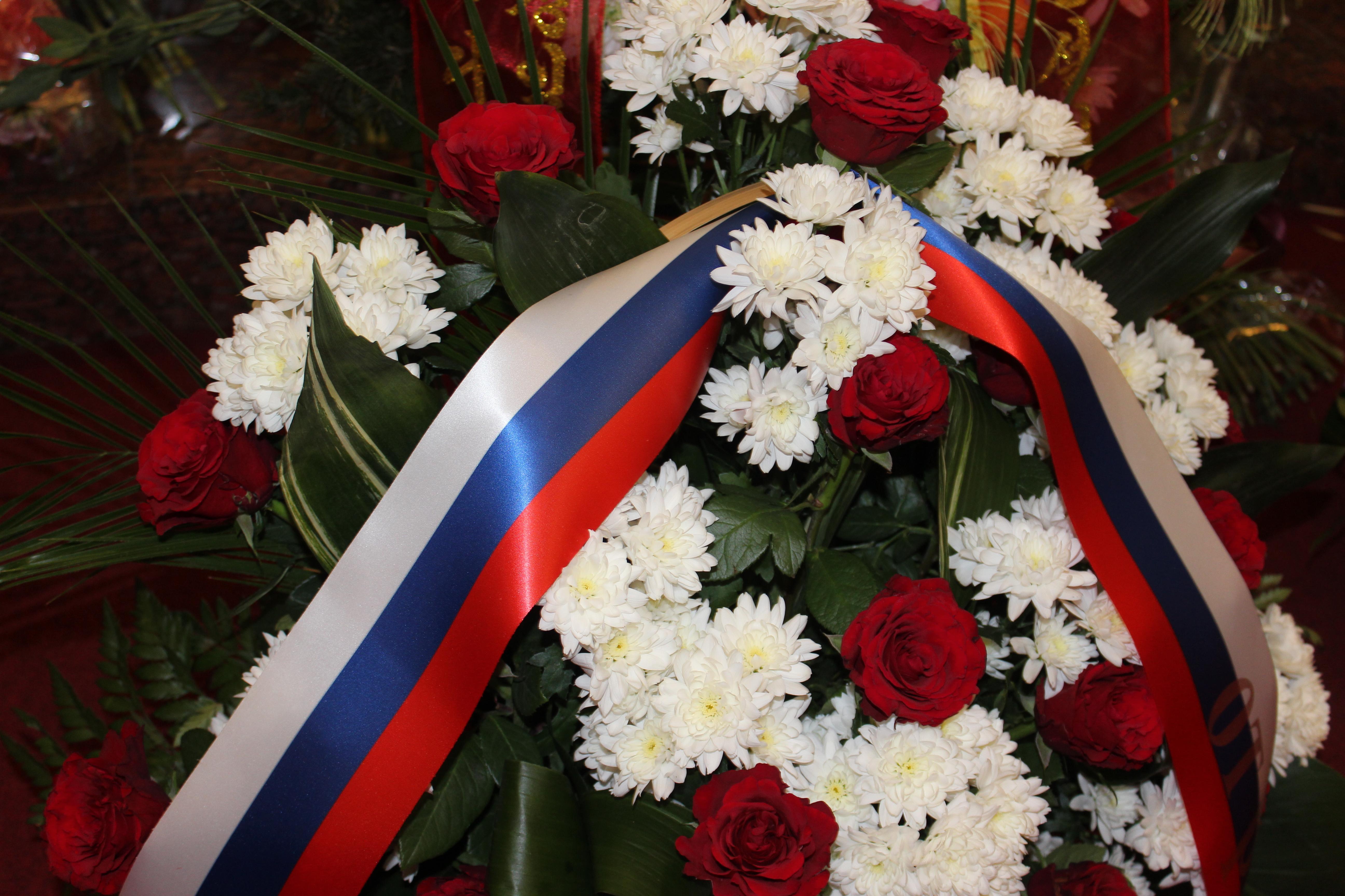 Встреча в посольстве Корейской Народно-Демократической Республики посвященная 75-летию Ким Чен Ира. Официально была приглашена делегация РОО «Бородино 2012-2045»