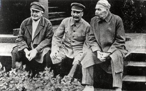 Сталина ненавидят сионисты, либералы и власовцы