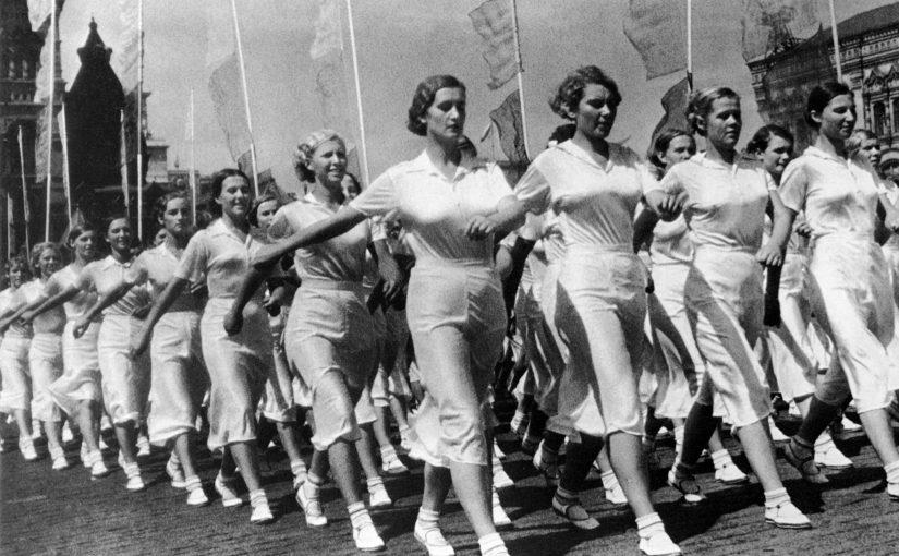 25 причин захотеть в СССР: галерея снимков красавиц, комсомолок и спортсменок